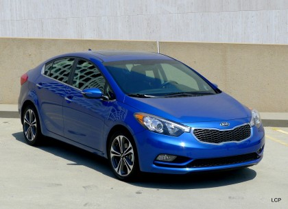 Front view of the 2014 Kia Forte EX Sedan