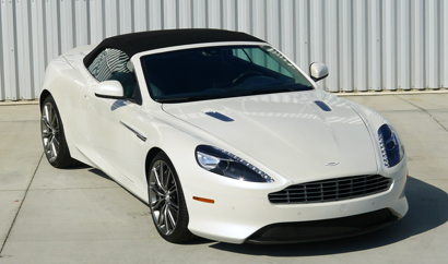 A three-quarter front view of the 2013 Aston Martin DB9 Volante