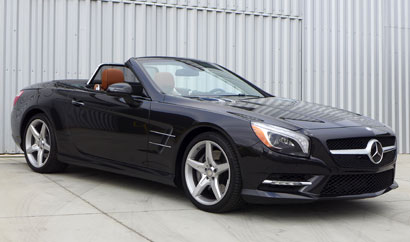 A three-quarter front view of the 2013 Mercedes-Benz SL550 Roadster