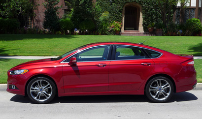 A side view of the 2013 Ford Fusion Titanium AWD