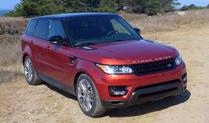 A three-quarter front view of the 2014 Range Rover Sport V8 Supercharged