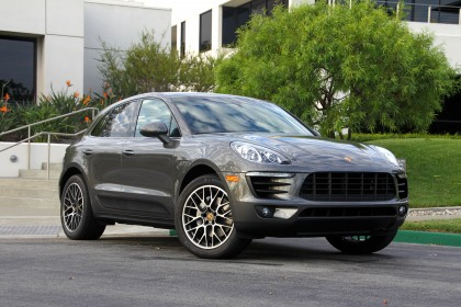 2015 Porsche Macan Front Three Quarter