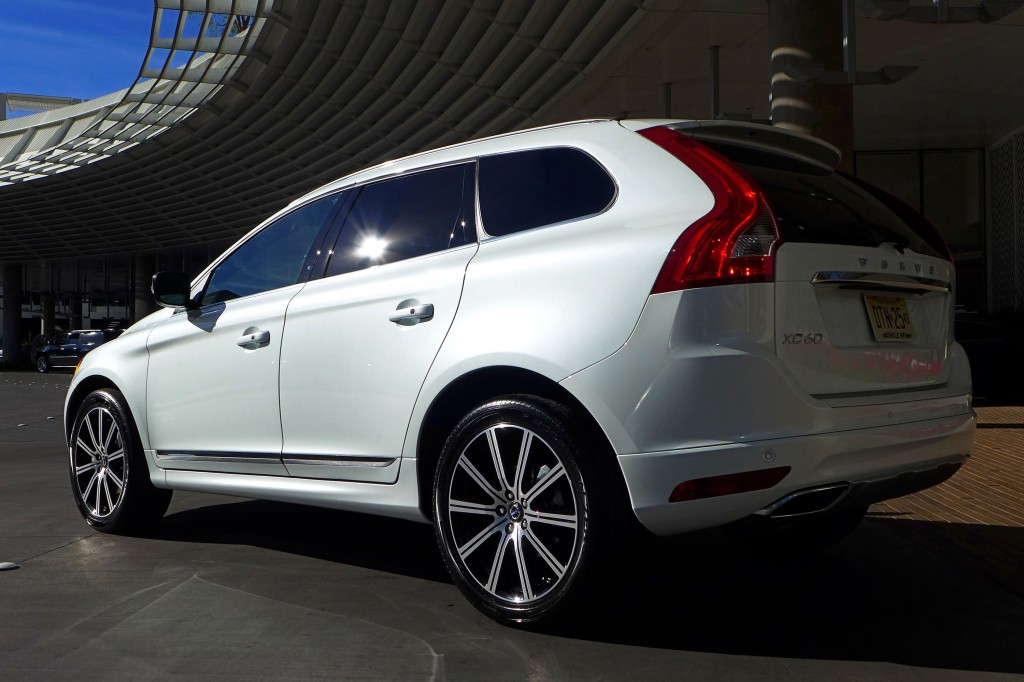 2015 Volvo XC60 Rear Three Quarter