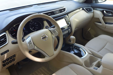 Nissan Rogue Steering Wheel and Dash