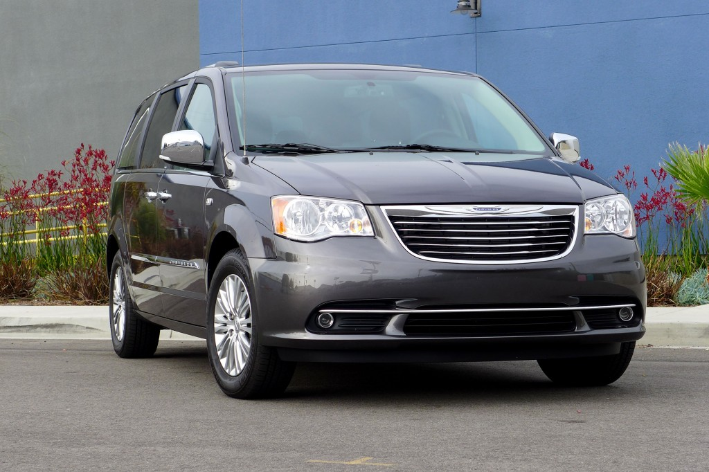 2014 Town and Country Front