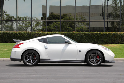 370z-Nismo-Right-Side