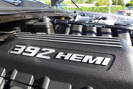 Challenger-SRT-392-Hemi-detail