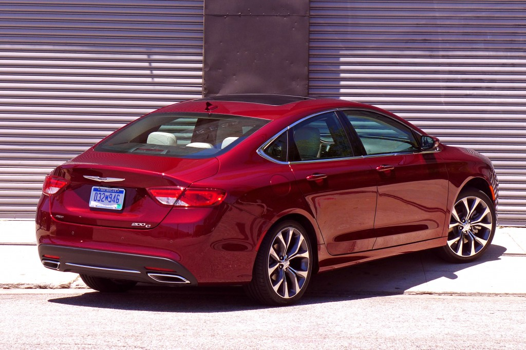 2015 Chrysler 200C rear three quarter view