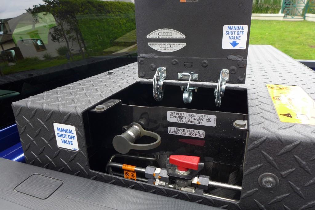 how big is the gas tank on a 2013 silverado autos weblog. Black Bedroom Furniture Sets. Home Design Ideas
