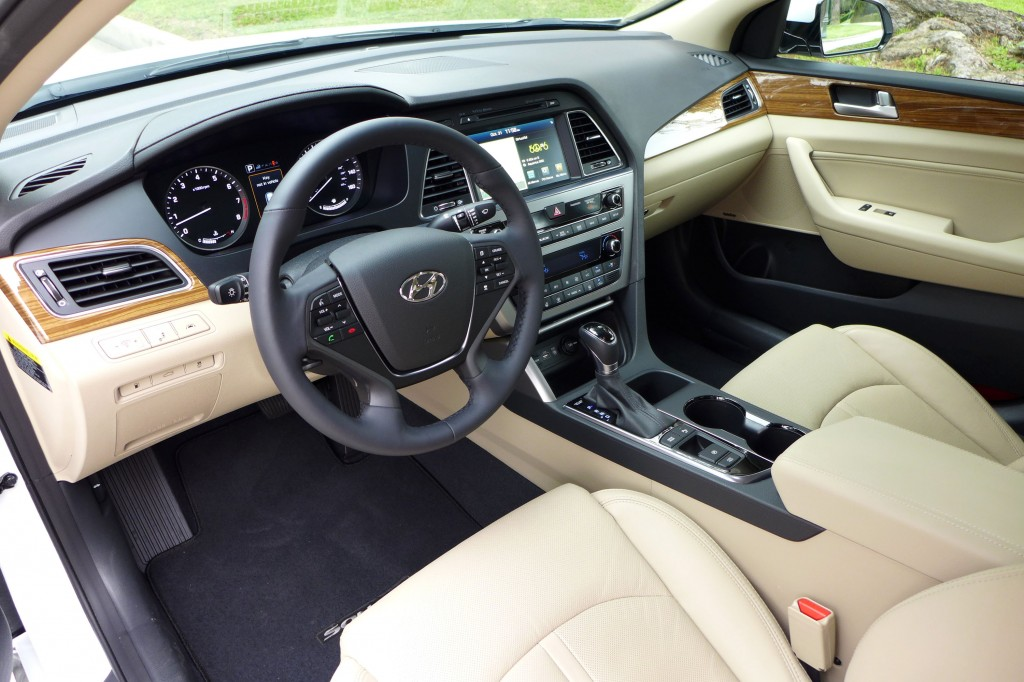 2015 hyundai sonata limited review price photos video gayot - 2015 hyundai sonata interior pictures ...