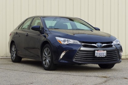 Camry Hybrid front three quarter view