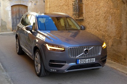 XC90-T6-front-three-quarter
