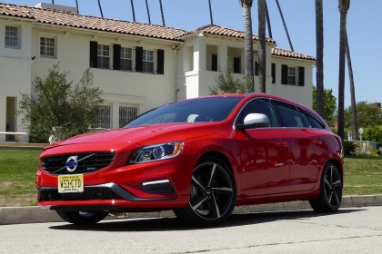 2016 V60 front three-quarter view