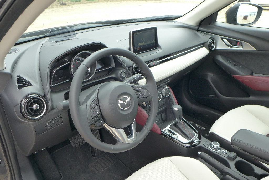 2016 mazda cx 3 grand touring awd review price photo gayot for Mazda cx 3 interieur