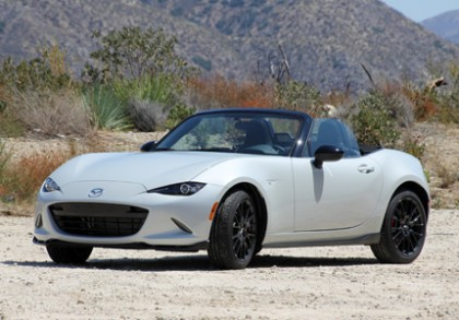 A three-quarter front view of the 2016 Mazda MX-5 Miata