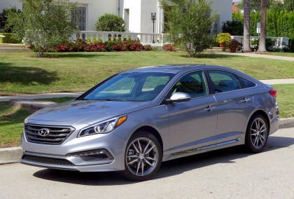 A three-quarter front view of the 2016 Hyundai Sonata Sport 2.0T