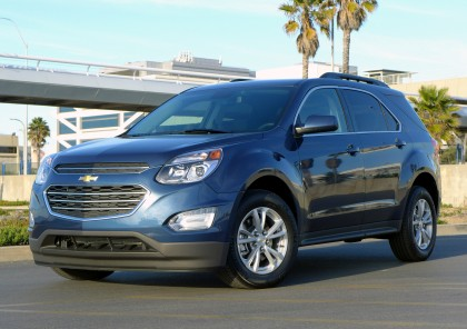 A three-quarter front view of the 2016 Chevrolet Equinox FWD LT