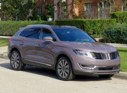 A three-quarter front view of the 2016 Lincoln MKX Black Label AWD