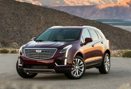 A three-quarter front view of the 2017 Cadillac XT5 crossover